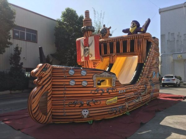 Barco Pirata inflable 3
