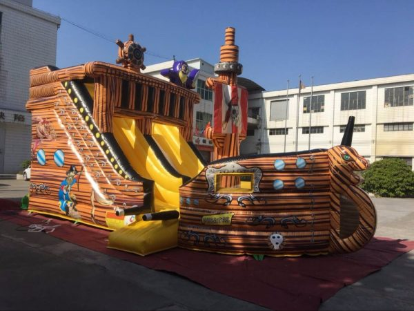 Barco Pirata inflable 1
