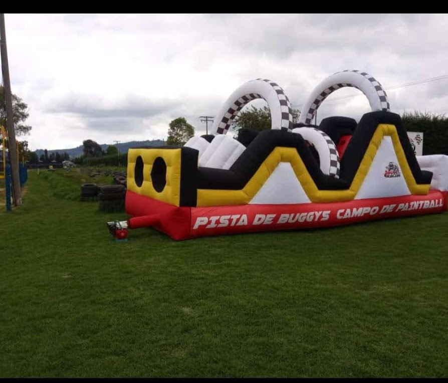 inflable carrera de obstáculos