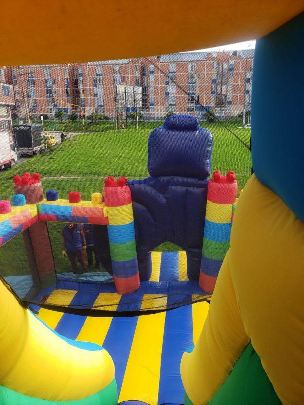 Castillo inflable saltarín lego avengers
