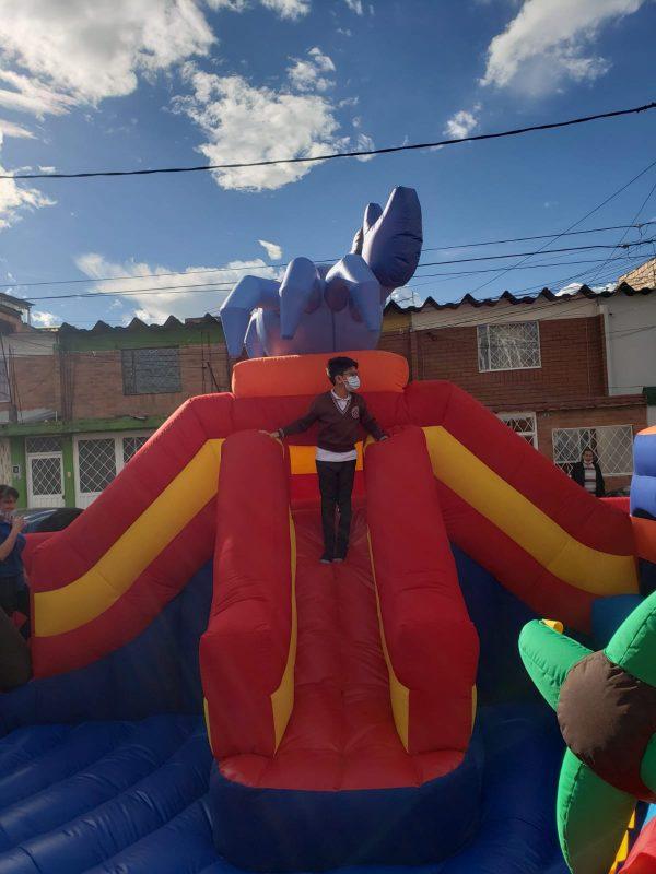 Inflable tobogán Gigante con piscina de pelotas